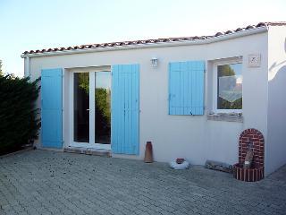 2 bedroom Villa in L'Ile d'Oléron, Nouvelle-Aquitaine, France : ref 5046853