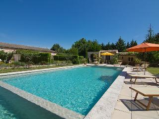 3 bedroom Villa in L'Isle-sur-la-Sorgue, Provence-Alpes-Côte d'Azur, France : re