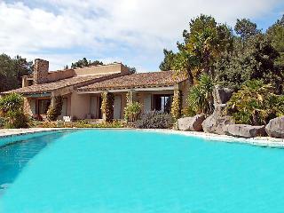 Villa in L'isle sur la Sorgue, Provence, France, Saumane-de-Vaucluse