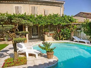 2 bedroom Villa in Robion, Provence-Alpes-Côte d'Azur, France : ref 5051405
