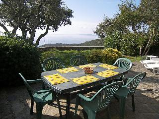 2 bedroom Villa in Cap Gaou Bénat, Provence-Alpes-Côte d'Azur, France : ref 5051