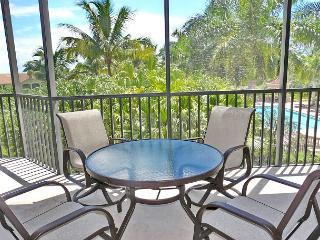 Spectacular Naples condo just a short drive from Marco Island
