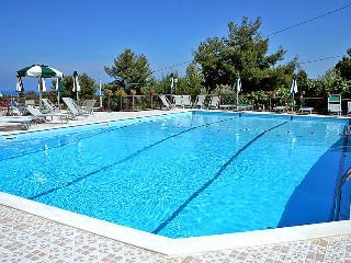 2 bedroom Villa in Lupetto, Apulia, Italy - 5056414