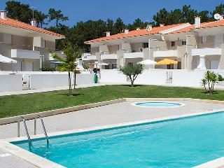 4 bedroom Villa in Foz do Arelho, Leiria, Portugal : ref 5057422