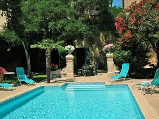7 bedroom Villa in Montblanc, Occitania, France : ref 5247188