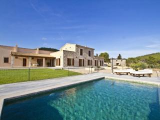 4 bedroom Villa in Cala Millor, Son Servera, Mallorca : ref 2017098, Costa De Los Pinos