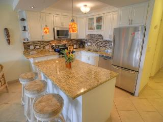 FALL SPECIALS! New Beautiful Renovations Throughout This Third Floor Condo, Kihei