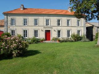 6 bedroom Villa in Brossac, Vendee, France : ref 2017901