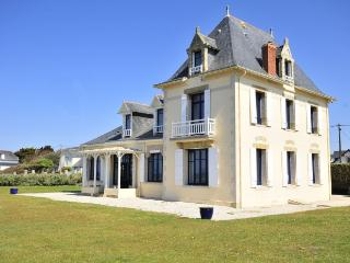7 bedroom Villa in Le Croisic, Brittany  Northern, France : ref 2017917