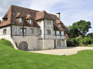 6 bedroom Villa in Beaumont en auge, Normandy, France : ref 2018009, Beaumont-en-Auge