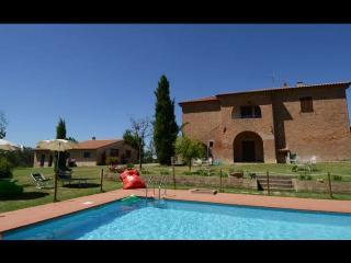 7 bedroom Villa in Castiglione del Lago, Umbria, Italy : ref 2020449