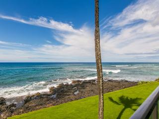 Kuhio Shores 215-Ocean front 2 bedroom with stunning ocean views. Sleeps 6. *Free car with stays 7/nts or more*, Poipu