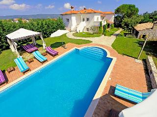 5 bedroom Villa in Pula Rakalj, Istria, Croatia : ref 2020760