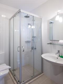 1st floor shower room