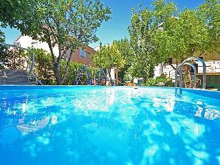 6 bedroom Villa in Sv. Filip i Jakov, North Dalmatia, Croatia : ref 2021130, Sveti Filip i Jakov