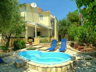 4 bedroom Villa in Vodice Tribunj, Central Dalmatia, Croatia : ref 2021227