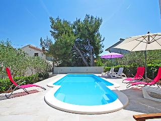 4 bedroom Villa in Trogir Slatine, Central Dalmatia, Croatia : ref 2021279, Arbanija