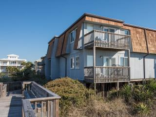 OIB Dream! Your dream vacation right on the ocean.