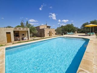 4 bedroom Villa in Cas Concos, Felanitx, Mallorca : ref 2022212, Sant Llorenc des Cardassar