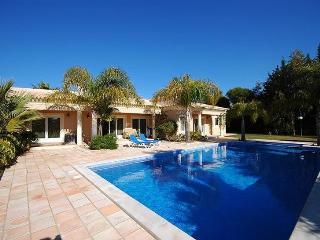 Villa in Santa Barbara de Nexe, Algarve, Portugal, Bordeira