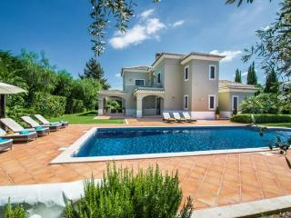 5 bedroom Villa in Quinta Do Lago, Algarve, Portugal : ref 2022243, Almancil