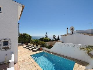 3 bedroom Villa in Praia da Luz, Algarve, Portugal : ref 2022301