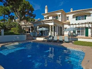 4 bedroom Villa in Vale do Lobo, Dunas Douradas, Algarve, Portugal : ref 2022392
