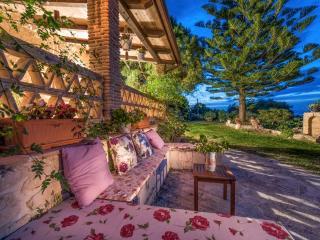Kirstin 4-Bedroom Villa, in Dikopoulos Bioland, Tragaki