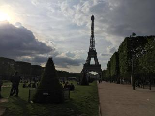 Beau 2 pieces a 200 metres de la Tour Eiffel