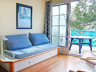 Port Bourgenay Apartment Sleeps 6 with Pool and Free WiFi - 5046659