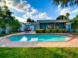 Sand dollar Clearwater Beach Cottage Vacation Cottage |3ba - 2ba | Private Heated Pool | Short 3-Block Walk to Sand
