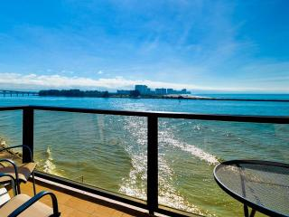440 West  508 S 20 % off Aug 2016! Gulf Front Condo with fantastic views from balcony | 2 Bedroom 2 Bath | Sleeps 6, Clearwater