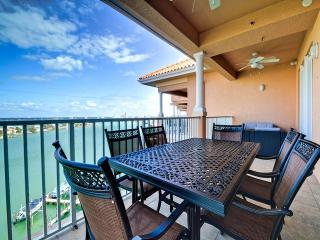 Harborview Grande 802 Newly Remodeled Luxury Waterfront Penthouse with Boat Slip, Clearwater