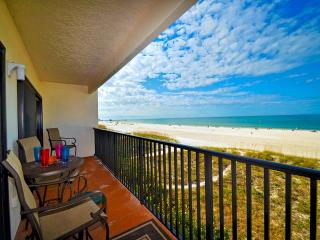 Surfside Condos 303 Beachfront | 2 bedroom 2 baths | Sleeps 8, Clearwater