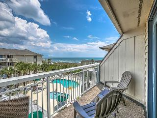 319 Breakers, Fully Remodeled in 2016! Beautiful Oceanfront, Pool, Beach, Hilton Head