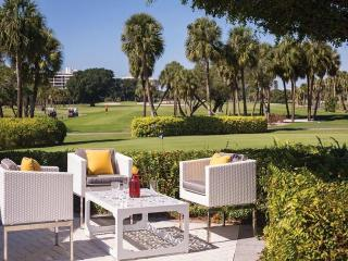 Resort at Longboat Key Club Jr. Suite, Golf Course/Lagoon View Newly Listed Florida Beachfront Resort!!!!