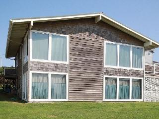 Exceptional Location Just Steps from Roads End State Park and Beach!, Lincoln City