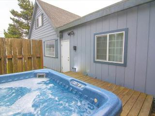 Hot Tub and Game Room! So much fun to be had at this beach home!