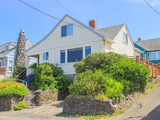 Historic home with amazing view & easy beach access!, Lincoln City