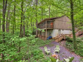 Smoky Mountain Treehouse - Cozy, Clean, Hot Tub, WiFi, Central Heat/Air, Reviews