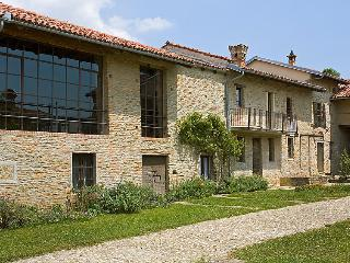 5 bedroom Villa in Alba, Piemonte, Italy : ref 2025360