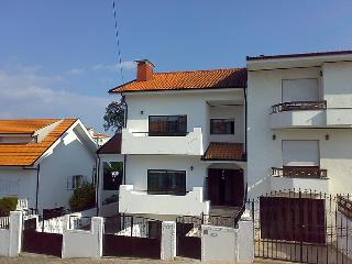 4 bedroom Villa in Vila Nova de Gaia, Porto, Portugal : ref 5057414
