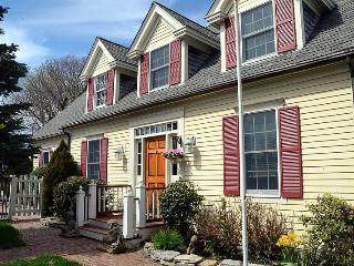 Provincetown 3 Bedroom 2 Masters/2 Living Rooms
