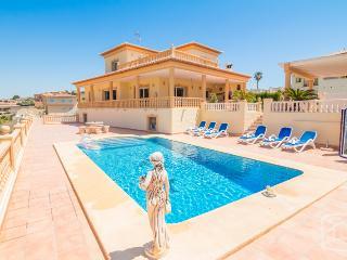 5 bedroom Villa in Calpe, Costa Blanca, Spain : ref 2031739