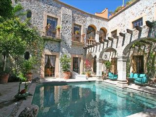 5 Star Home - 3 Star Price; Walk Everywhere; Cook, San Miguel de Allende
