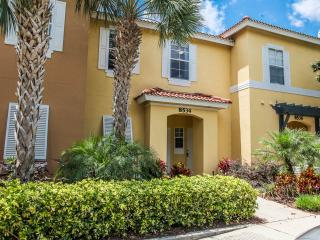 Luxury Townhome at Emerald Island (Disney Orlando), Kissimmee