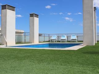 Appartement 6 à 8 personnes entièrement climatisé avec piscine, à 10km de la mer, Almoradi