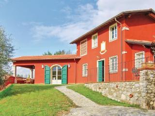 3 bedroom Villa in Camaiore, Tuscany Coast, Versilia, Italy : ref 2037419
