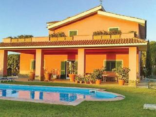 4 bedroom Villa in Tarquinia, Latium lazio, Latium Coast, Italy : ref 2037519