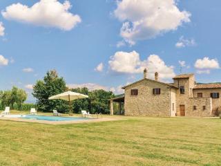 4 bedroom Villa in Gualdo Cattaneo, Umbria, Perugia, Italy : ref 2037638, Saragano